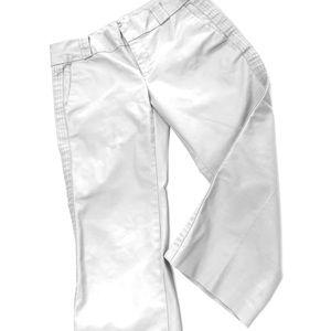 🎉3/$35 Old Navy Light Grey Capri Pants